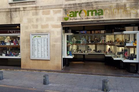 Aromanîmes vend des cigarettes électroniques et des e-liquides en centre-ville.