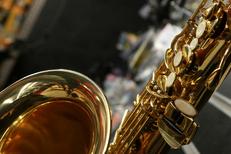 Auday Musique Nîmes magasin d'instruments de musique qui propose des saxophones en centre-ville (® networld-fabrice chort)