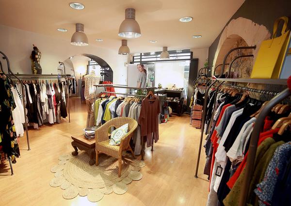 5e8240133feb42 Cannelle Nîmes Boutique de vêtements Femme | Nîmes-Shopping.fr