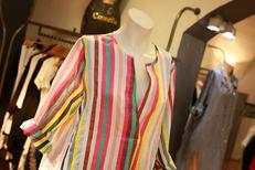 Cannelle Nîmes vend des vêtements pour les Femmes en centre-ville dans une magnifique boutique de mode luxe (® SAAM-fabrice Chort)