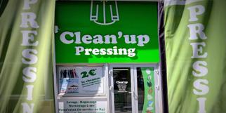 Clean'Up Pressing Nîmes Ville active vous reçoit pour l'entretien de vos vêtements et textiles..(® SAAM-fabrice Chort)