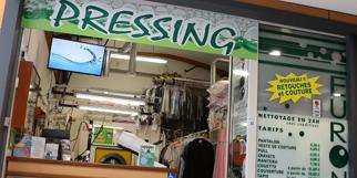 Euronet Pressing Nîmes nettoie vos vêtements, couettes, manteaux, articles pour la maison ou pour l'habillement à Nîmes Ouest.(® SAAM-Fabrice Chort)