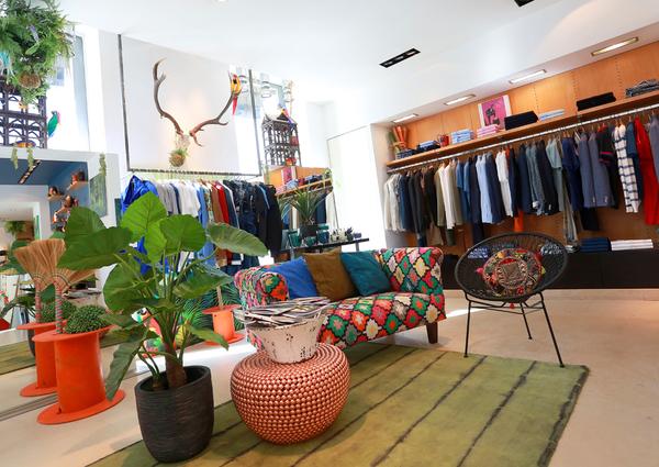 432fe94109d ... Faubourg Prohin Nîmes Boutique de vêtements homme luxe en centre-ville  (® SAAM- ...