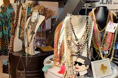 Boutique LM Mon Show Room Nîmes vend des bijoux, des accessoires de mode. De belles idées cadeaux !