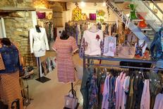LM Mon Show Room est un concept Store à Nîmes qui vend de la décoration et des vêtements