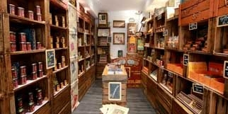 Malakoff Nîmes propose des chocolats Malakoff ainsi que des produits d'épicerie fine pour les gourmands, au centre-ville.(® networld-fabrice chort)