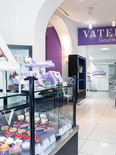 Vatel Gourmet Nîmes est une pâtisserie et épicerie fine avec des prestations de traiteur et de restauration rapide en centre-ville.(® vatel gourmet)