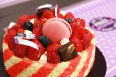 Vatel Gourmet Nîmes propose des prestations Traiteur, Pâtisserie, Restauration sur place et Epicerie fine en centre-ville. Ici un gâteau gourmand (® SAAM-fabrice Chort)