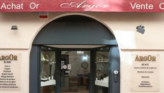 Argor Nîmes Achat et vente d'or propose de nouvelles collections de bijoux en centre-ville.(® SAAM-fabrice Chort)