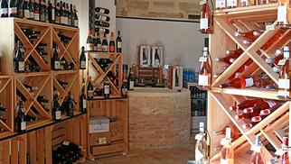 Au 429 idées à Codognan propose une belle cave à vins et spiritueux (® SAAM fabrice Chort)