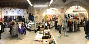 Bonjour Nîmes est une boutique de vêtements de marques pour toute la famille en centre-ville.(® bonjour)