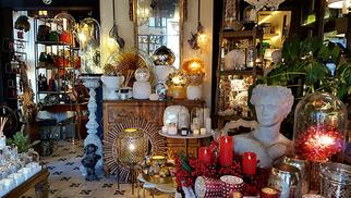 Galerie Jean-Louis Fages Nîmes annonce ses soldes d'hiver dans le magasin de décoration et antiquités.(® SAAM-fabrice Chort)