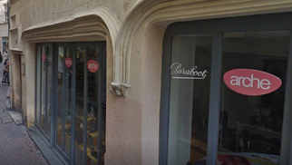 boutique Jackson and co Nîmes vend des chaussures Arche en centre-ville.(® google)