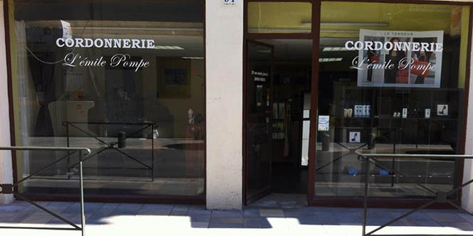 La cordonnerie L'Emile Pompe à Nîmes annonce une offre Talons aiguilles à 5 euros les 2 talonnettes.