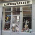 La Librairie Teissier Nîmes vous reçoit en centre-ville pour échanger sur les auteurs et leurs livres et trouver le livre ou l'ouvrage qui vous fera plaisir ou à offrir.(® pages jaunes- Librairie Teissier)