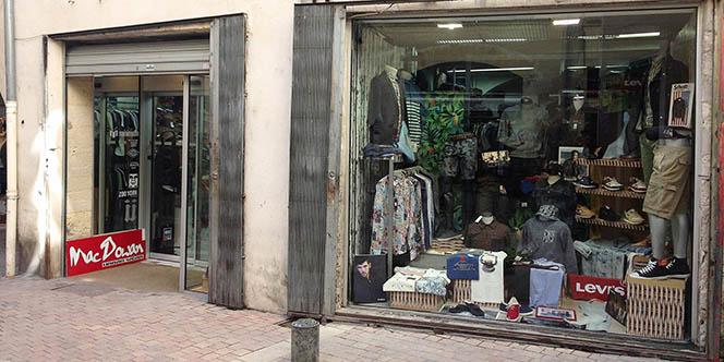 Mac Dowan Nîmes est une boutique de vêtements pour l'Homme et d'accessoires de mode en centre-ville.