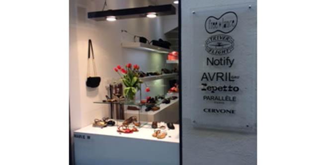 Marie M Nîmes est le spécialiste de la chaussure de marque dans sa boutique du centre-ville.