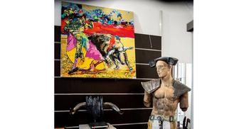 Plume et Curiosités Nîmes, une Galerie d'art bohème chic à ne pas rater qui présente les coups de coeur de Ysabel Paoli-Evin.