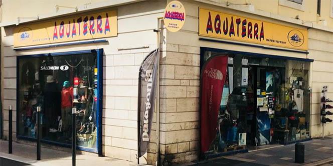 Aquaterra Nîmes est un magasin dédié aux sports de pleine nature. C'est la boutique idéale pour vous équiper pour vos randonnées estivales.
