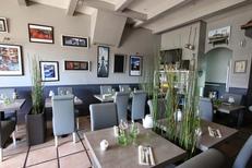 Le Dauphin Grau du Roi est un restaurant traditionnel de cuisine méditerranéenne avec des produits frais (® networld-fabrice Chort)