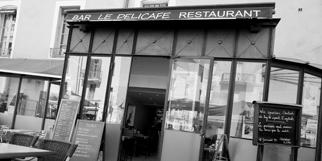 Le Délicafé Nîmes est un salon de thé-restaurant au centre-ville sur la Place Bellecroix (® networld-fabrice Chort)