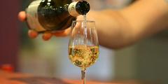 Guide des établissements dédiés au Vin à Nîmes et alentours ( ® SAAM-fabrice Chort)